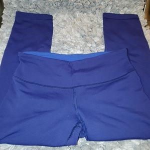 Lululemon Reversible Blue Capri Legging